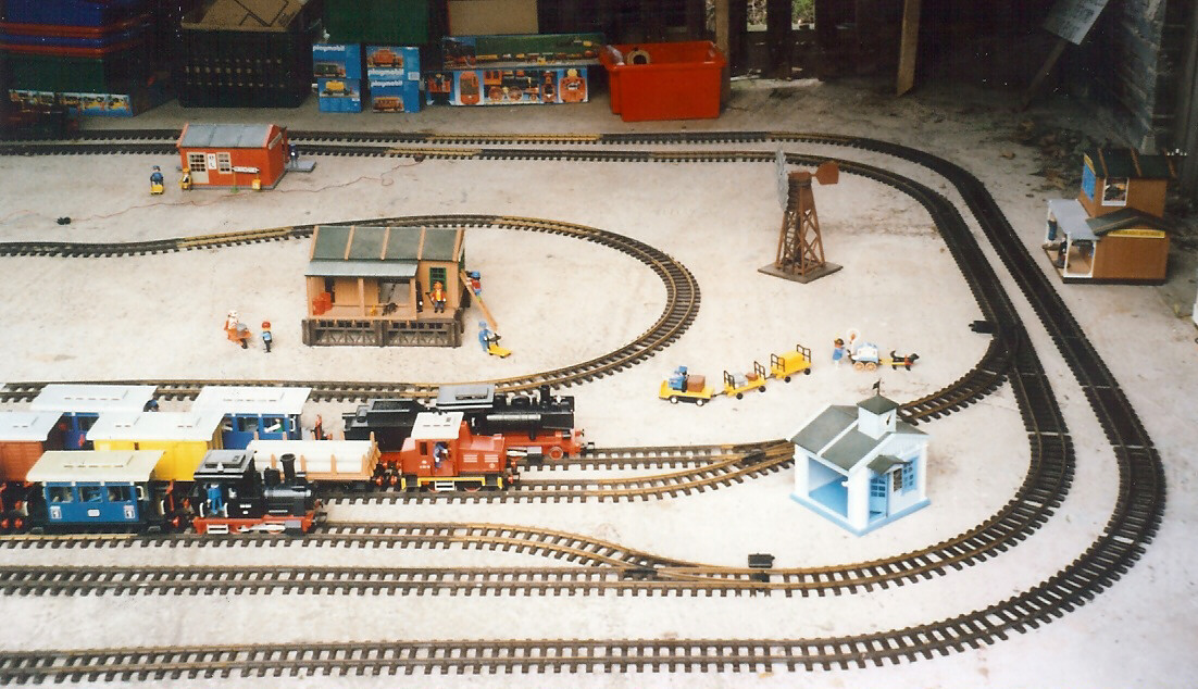 Playmobil railroad layout 2016 | Doovi |Playmobil Train Layouts